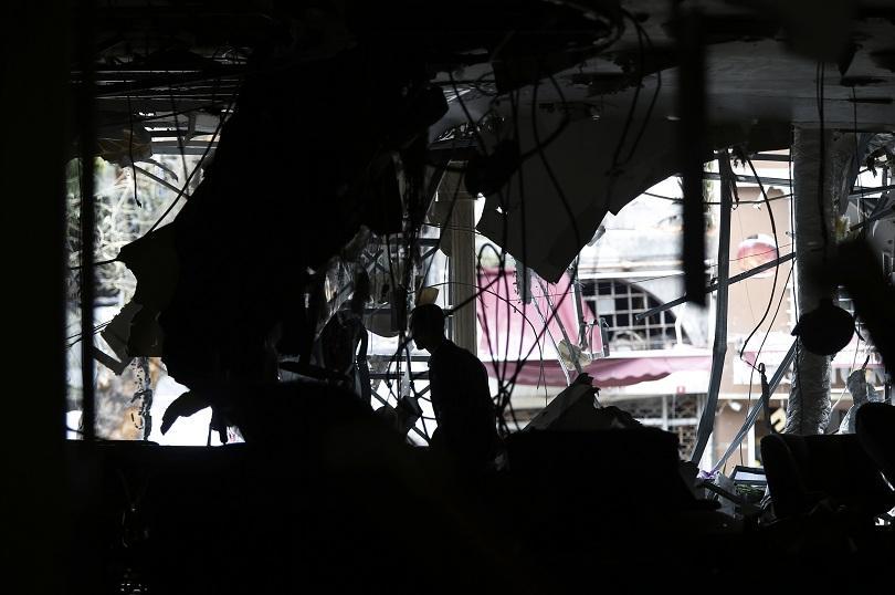 снимка 1 12 души загинаха при кървав атентат в центъра на Истанбул