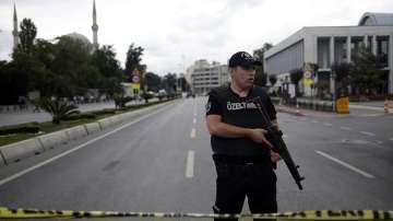 12 души загинаха при кървав атентат в центъра на Истанбул