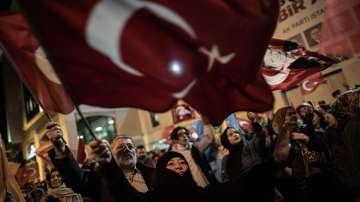 Повторно преброяват бюлетини в 8 районa на Истанбул