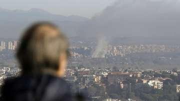 Властите в Рим посъветваха хората да не излизат заради пожар в завод за отпадъци