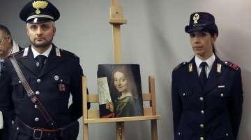 Украйна върна на Италия откраднати картини