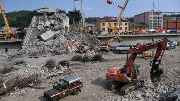 Приключиха издирвателните дейности след рухването на моста в Генуа