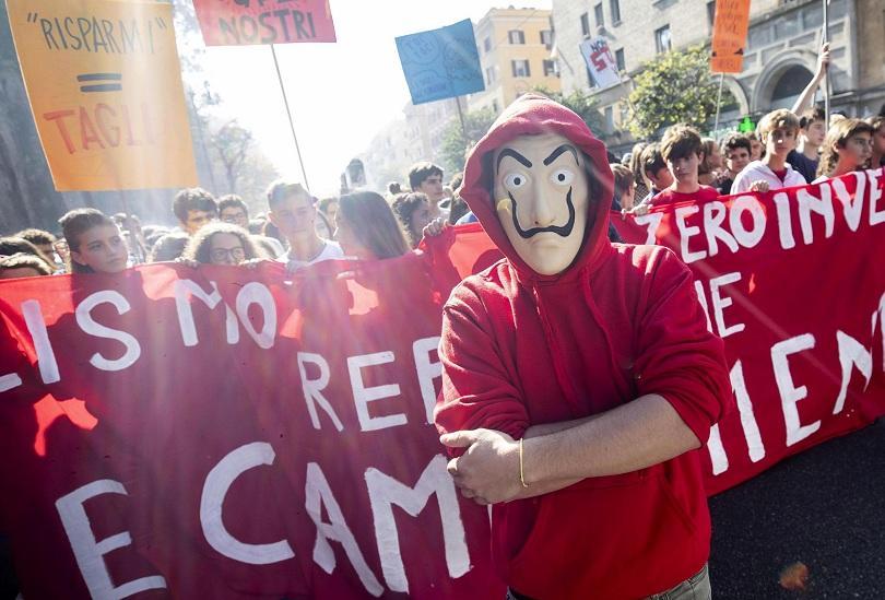 италиански студенти протестираха намаляването парите образование