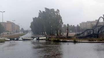 Силни бури в Италия причиниха наводнения и материални щети