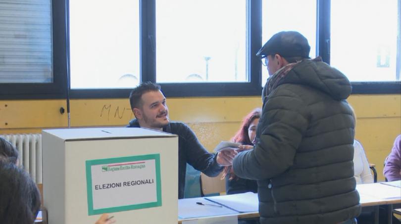 В Италия се провеждат регионални избори с потенциално национално значение.