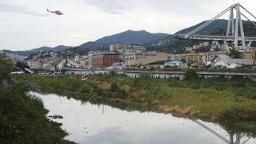 Расте броят на жертвите след срутването на мост в Генуа