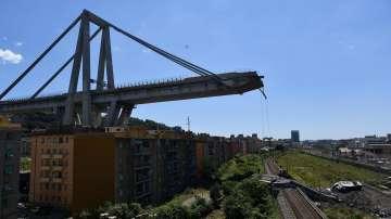 Продължава издирването на хора в руините на моста Моранди в Генуа