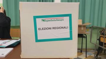 Регионални избори се провеждат в две италиански провинции