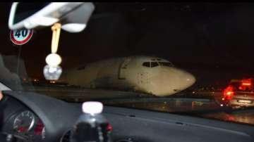 Самолет излезе от пистата на летище Бергамо край Милано (СНИМКИ)