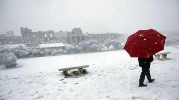 Сняг и студ в Европа, дъжд и торнадо в САЩ (СНИМКИ/ВИДЕО)