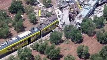 Два влака се сблъскаха челно в Южна Италия, над 20 души загинаха