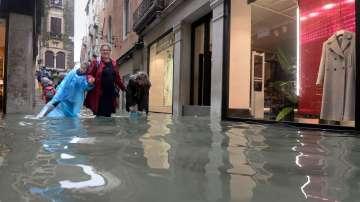 Наводненията в Италия отнеха живота на близо 30 души