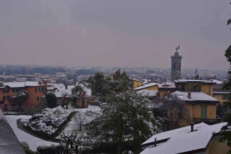 снимка 4 Бури, студ и снеговалежи сковаха Испания и Италия (СНИМКИ)