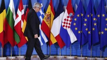 В социалните мрежи питат: пиян ли е Юнкер по време на срещата на НАТО?