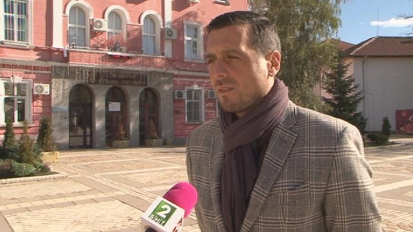 кметът елин пелин забрани празнува хелоуин училищата
