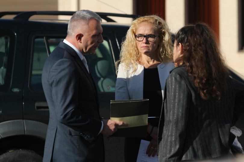 Иванчева, Петрова и Дюлгеров остават под домашен арест