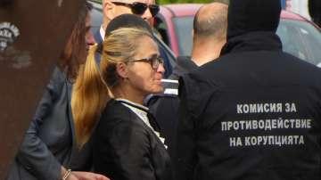 Десислава Иванчева е настъпила сериозни интереси, твърдят нейни защитници