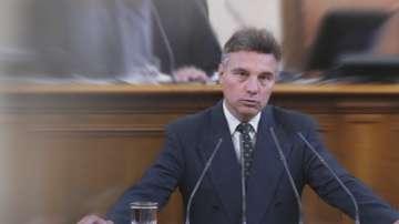 ГЕРБ иска оставката на левия депутат Иво Христов, но той няма да я подава