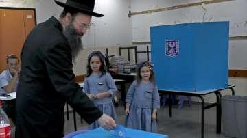 В Израел се провеждат предсрочни парламентарни избори