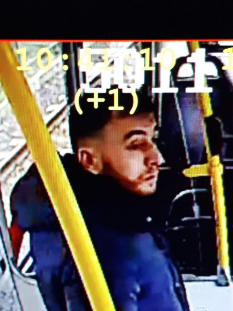Полицията в Утрехт издирва 37-годишния Гьокман Танис. Предполага се, че