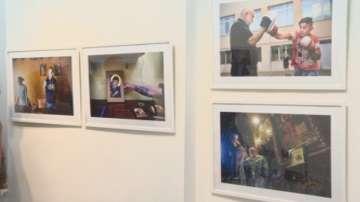 Как помагат българите - фотоизложба Благотворителността през обектива
