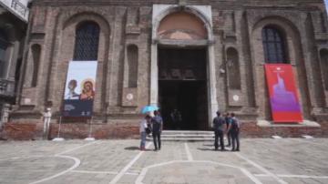 Лиляна Павлова откри изложбата Пазители във Венеция