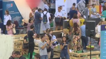 Кариерно изложение събра над 150 водещи компании в Арена Армеец