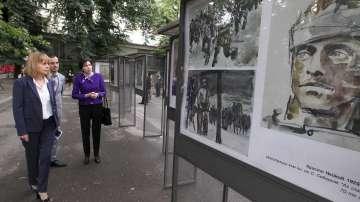 Изложба от картини с Левски на открито в центъра на София