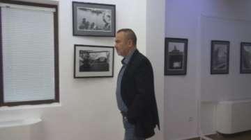 Бургаски фотограф открива изложба с паметни фотографии от Париж