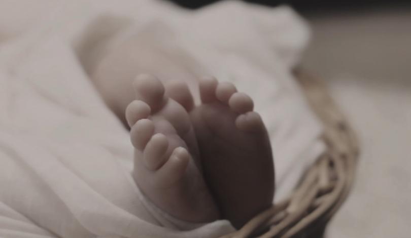все издирват родителите изоставеното петрич бебе