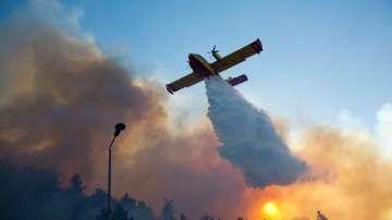 Израел продължава да се бори с бушуващите пожари