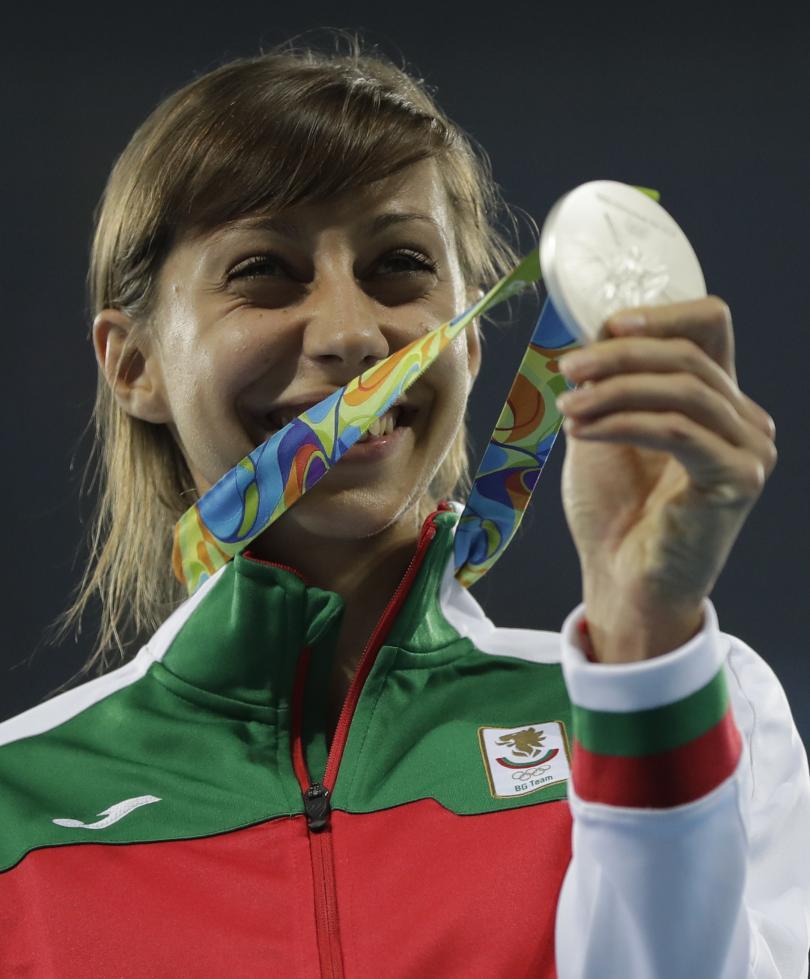 снимка 4 Олимпийско сребро от Рио за Мирела Демирева!