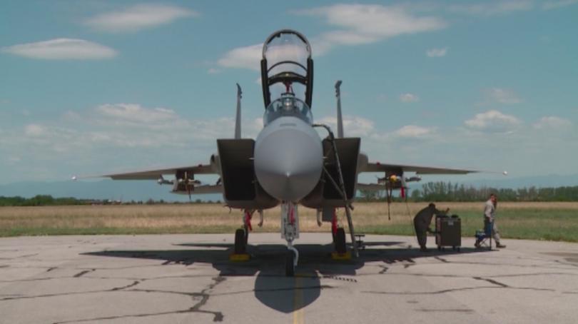 Преговаряме с Турция за съвместна охрана на въздушното ни пространство