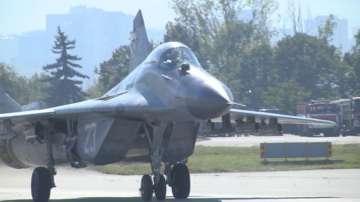 МО и РСК-МиГ подписаха договора за ремонт на самолетите МиГ-29