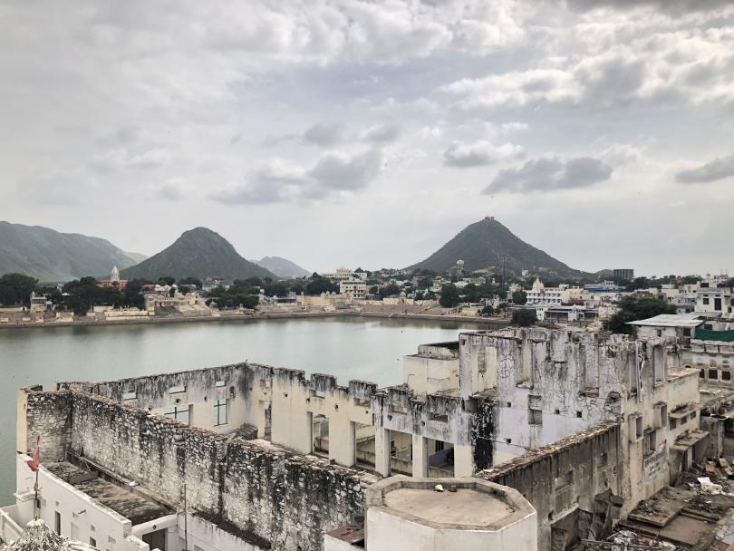 снимка 4 Отвъд границите: Как един индийски блокбъстър може да преобърне живота ти...