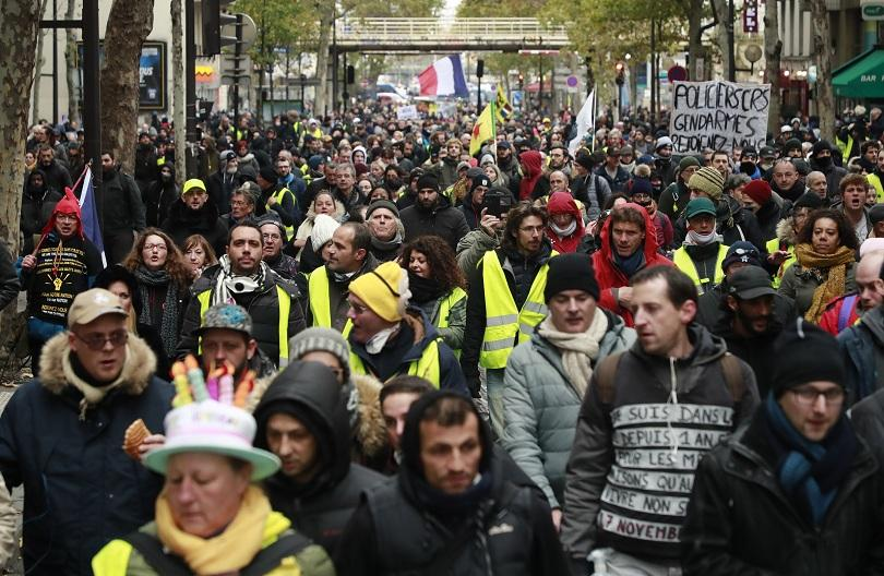 Размирни сцени във Франция съпътстваха демонстрациите на