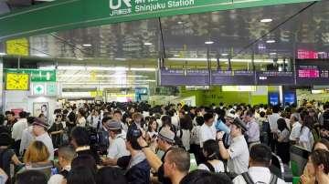Над 900 полети в Япония и Южна Корея са отменени заради циклона Тапа