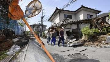 Близо 1000 души са ранени при земетресение на японския остров Кюшу