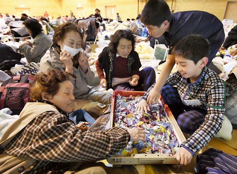 снимка 3 След трусовете в Еквадор и Япония