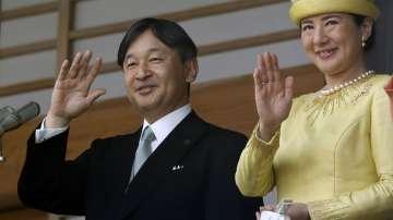Новият японски император е получил днес своя първи официален брифинг от премиера