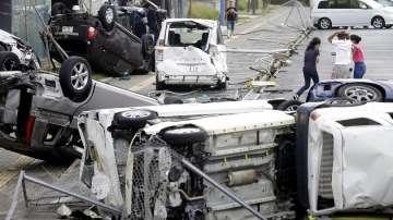 Япония остава в плен на тайфуна Джеби