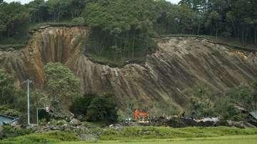 Расте броят на жертвите след земетресението на остров Хокайдо