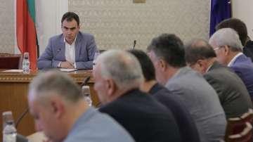 Депутатите отложиха приемането на доклада за продажбата на ЧЕЗ