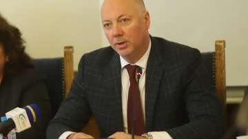 """Росен Желязков: Мислим за нови услуги в """"Български пощи"""""""