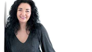 Отвъд границите: Жени Попова: Мечтаното ми пътуване е това до България