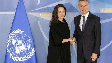 Холивудската звезда Анджелина Джоли посети щабквартирата на НАТО в Брюксел