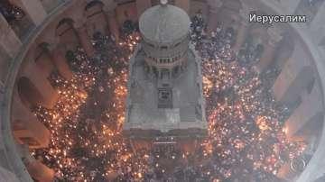 Благодатният огън слезе в църквата на Божи гроб в Йерусалим (ВИДЕО)
