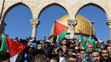 Десетки ранени при сблъсъци в окупираните палестински територии и Ерусалим