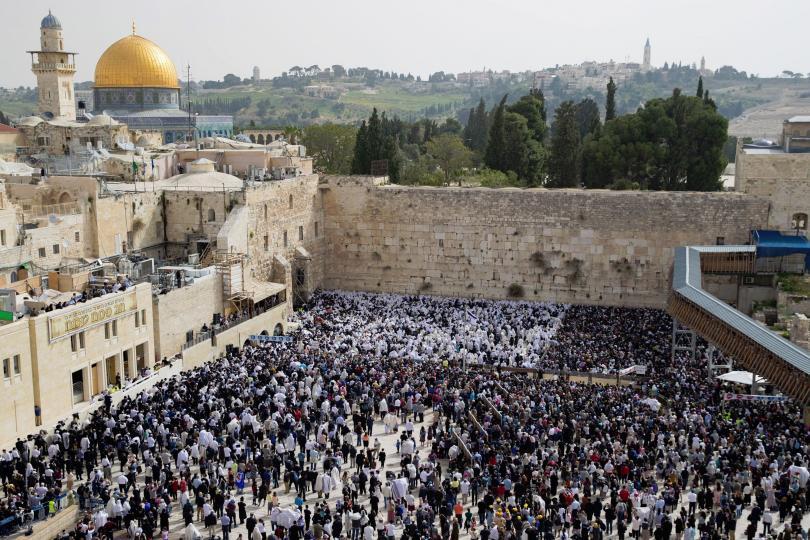 богомолци цял свят изпълват улиците стария ерусалим разпети петък
