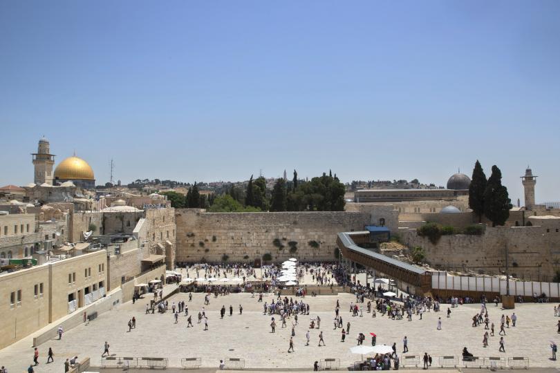 снимка 1 Спрян е достъпът до част от Стената на плача в Ерусалим заради падане на камък